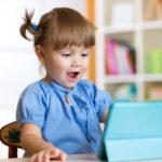 L'écran peut être un outil phénoménal pour apprendre,  à condition d'accompagner vos enfants dans sa découverte!